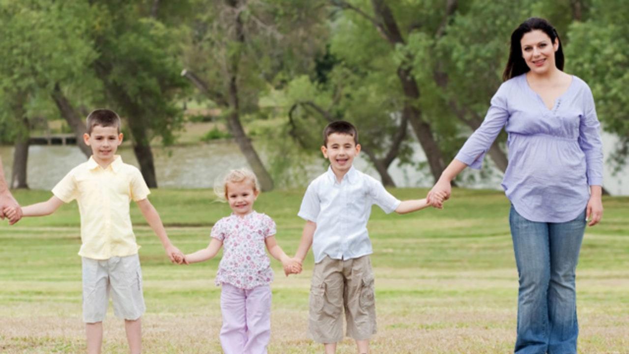 Vater manipuliert kind gegen mutter