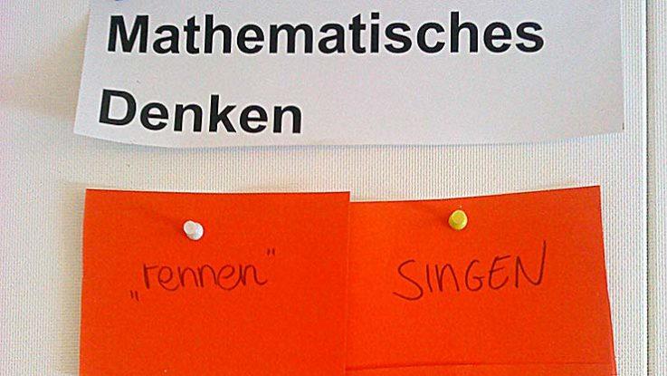 Mathe versus rennen und singen