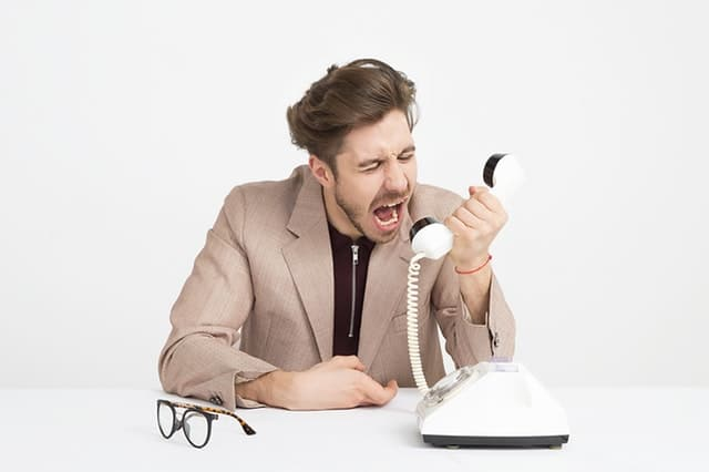 Wütend am Telefon: Foto: pexels.com