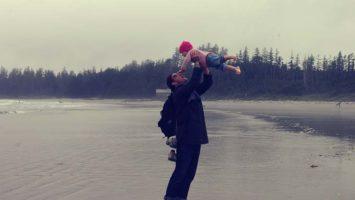 Papa und Tochter im Sommerurlaub
