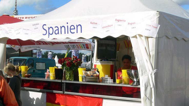 Spanisches Zelt in Hamburg erinnert an Madrid