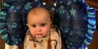 Süßes Baby weint